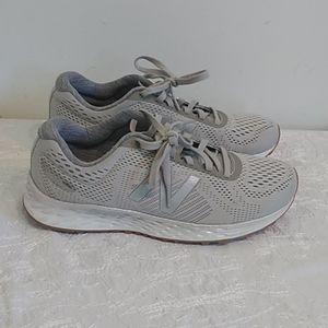 New balance fresh foam arishi greyish sneakers
